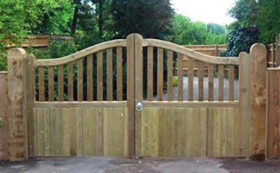 wooden-gates-beaconsfield-300x185