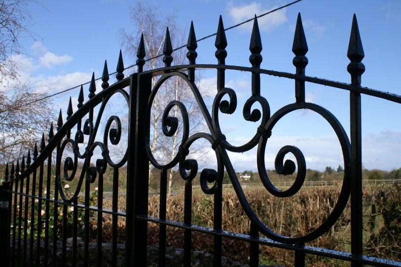 gate installers buckinghamshire